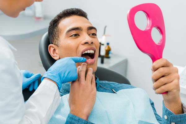 What Types Of Materials Are Used For Dental Veneers?